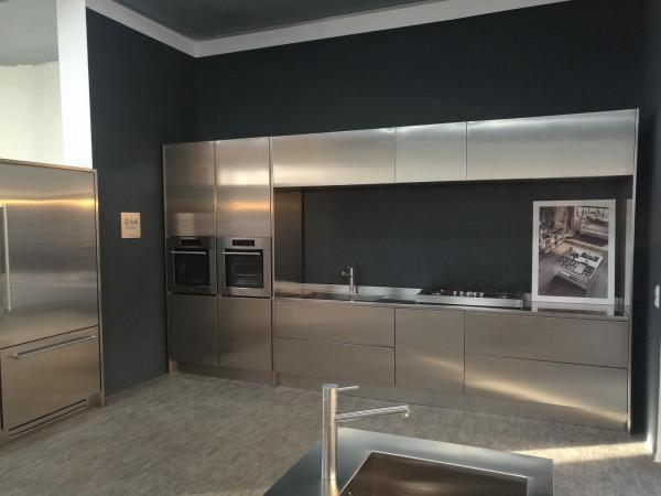 Küche aus massiv Edelstahl - Ausstellungssück